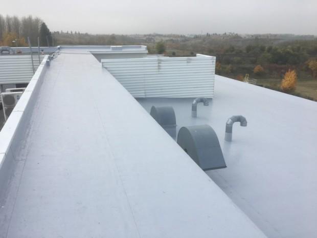 V rámci rekonstrukce hydroizolační vrstvy halového objektu haly Ingersoll Rand byla dodávka nové PVC hydroizolace včetně systémových prvků. Velikost střechy byla 4.500 m2.…