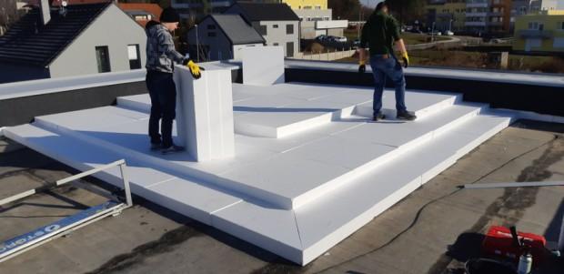 Aktuálně provádíme rekonstrukci ploché střechy v Praze, městské části Dubeč. Při realizaci je nutné navýšení spodní atiky.  Realizace 02/2018…