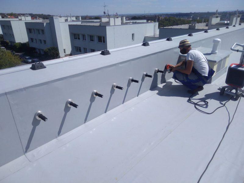rekonstrukce ploché střechy bytového domu